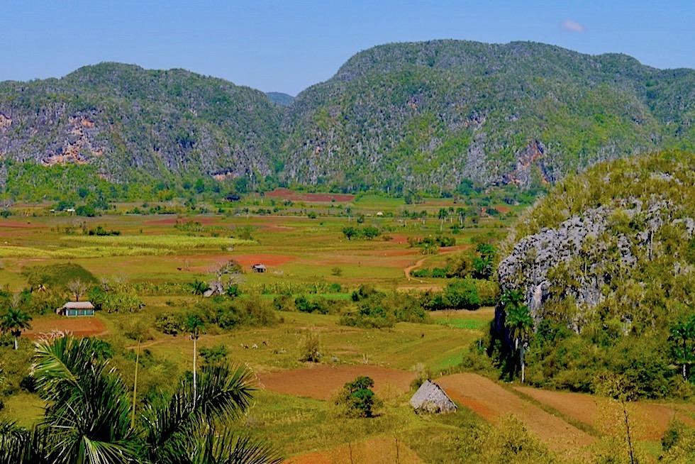 Vinales Tal - Ausblick über das weite Valle de Vinales - Kuba von seiner schönsten Seite