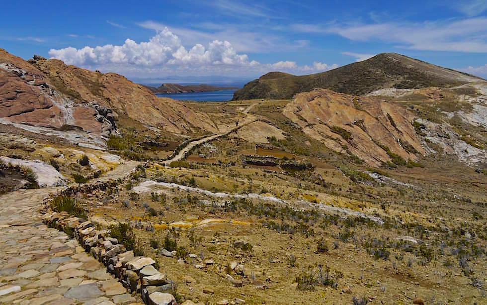 Isla del Sol im Titicaca See -Wandern zu den Chincana-Ruinen