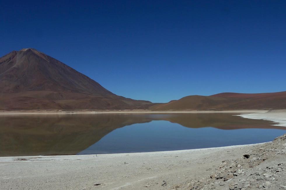 Laguna Verde im Nationalpark Eduardo Avaroa Bolivien - Salar de Uyuni Tour