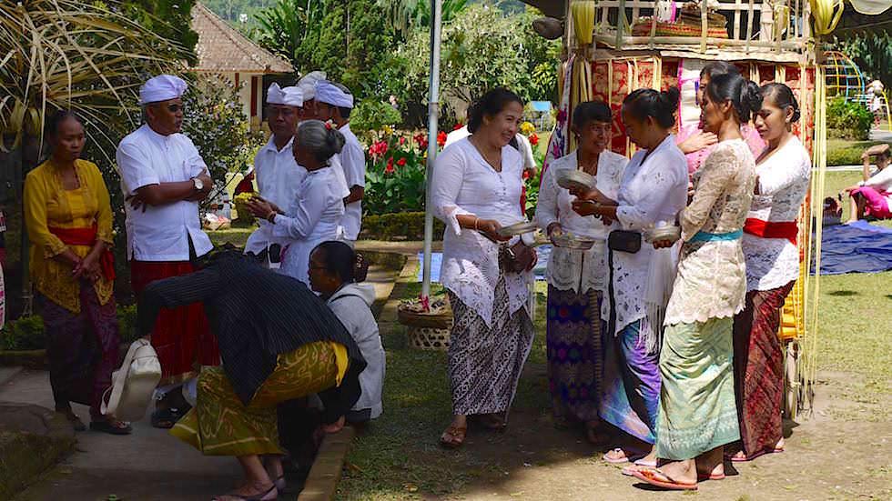 Feiertag im Pura Ulun Danu Bratan - Wassertempel am Bratan See in Bali