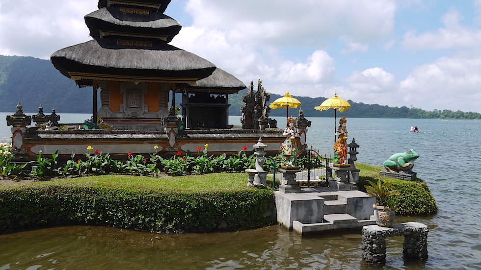 Schreine des Pura Ulun Danu Bratan - Wassertempel am Bratan See in Bali