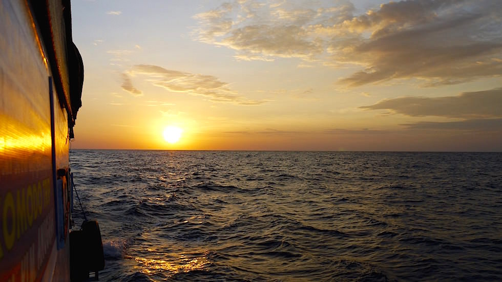 Sonnenuntergang Bootstour nach Komodo Indonesien
