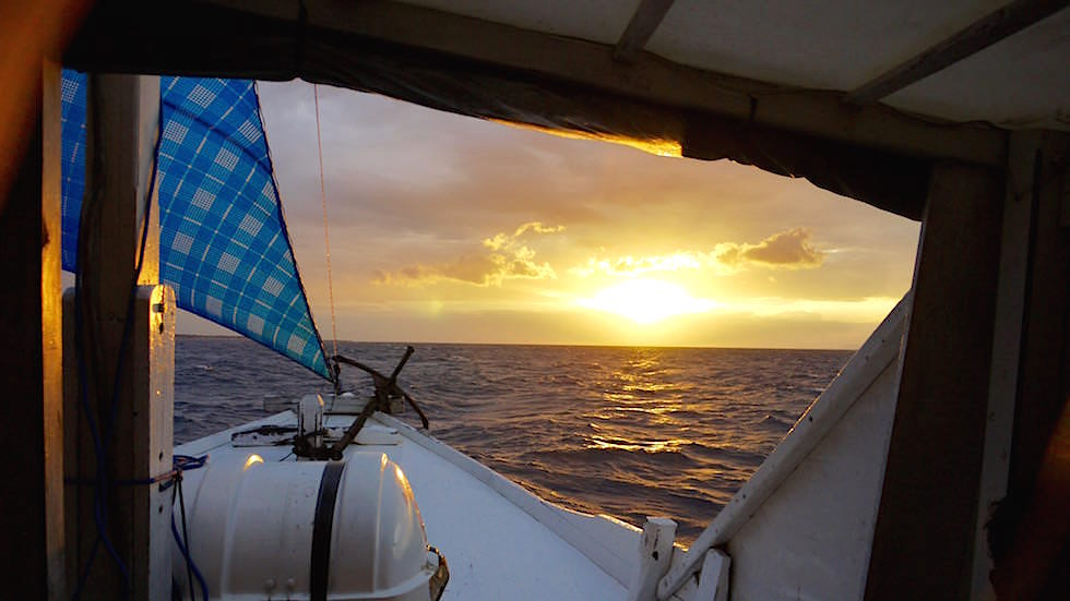 Sonnenaufgang Bootstour nach Komodo Indonesien