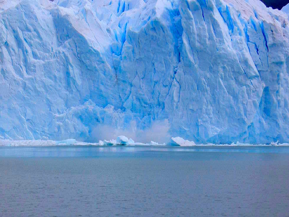 Kalbender Perito Moreno Gletscher - Patagonien , Argentinien
