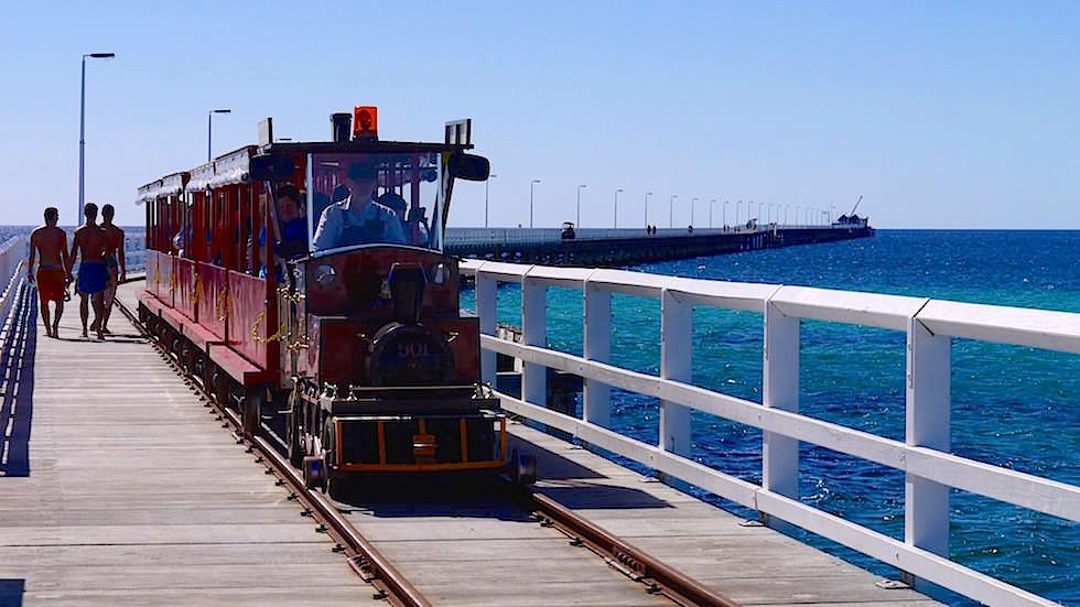 Diesellok Busselton Jetty in Western Australia