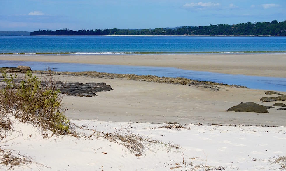 Huskisson Beach - weißer Sand - Jervis Bay in New South Wales Australia