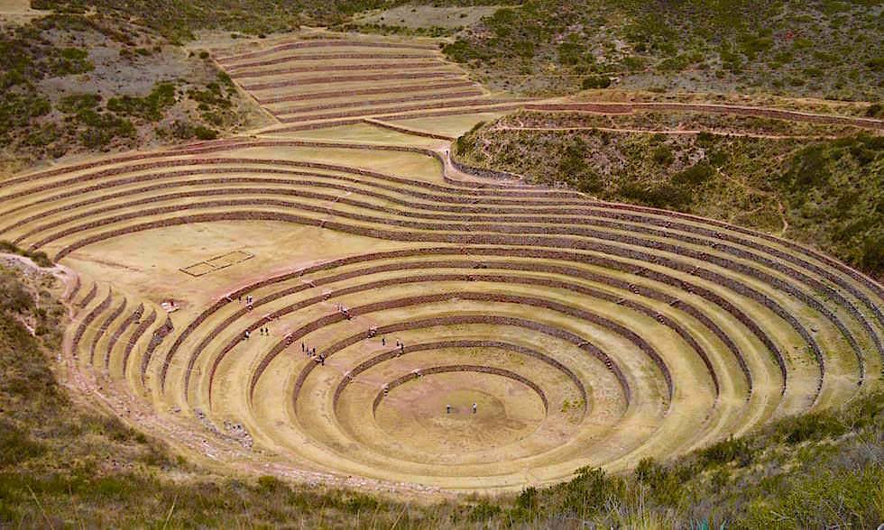 Moray - Terrassen zum Anbau von landwirtschaftlichen Produkten bei den Inkas - Valle de Sagrado Highlights bei Cusco - Peru