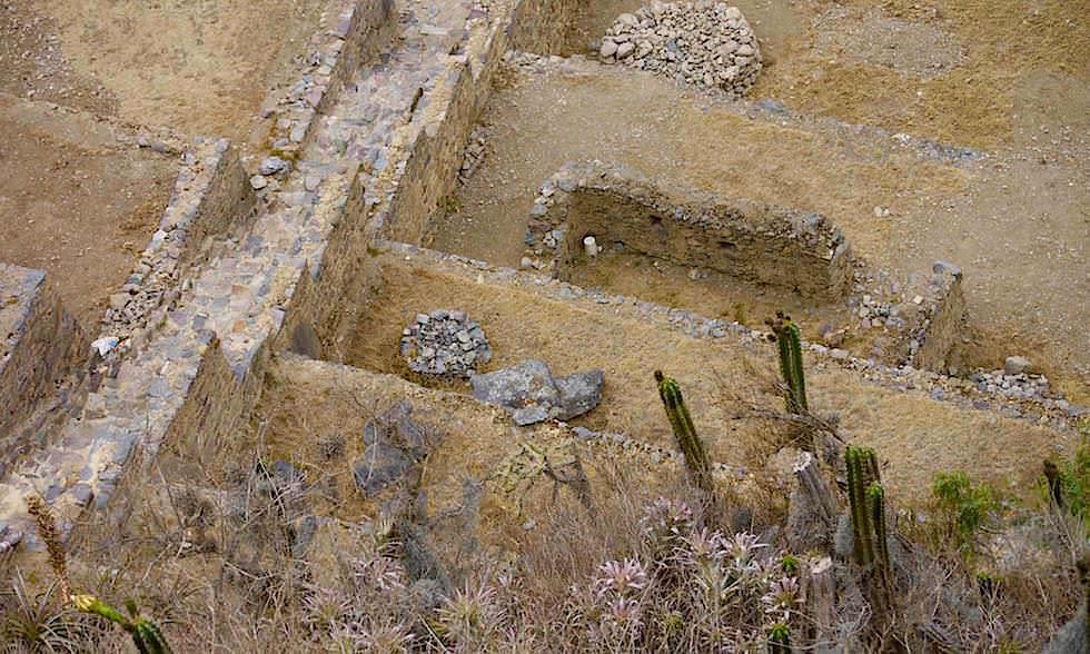 Valle Sagrado odr Sacred Valley - Ollantaytambo: Treppen führen zur Festung hinauf - Inkastätten & Highlights bei Cusco - Peru
