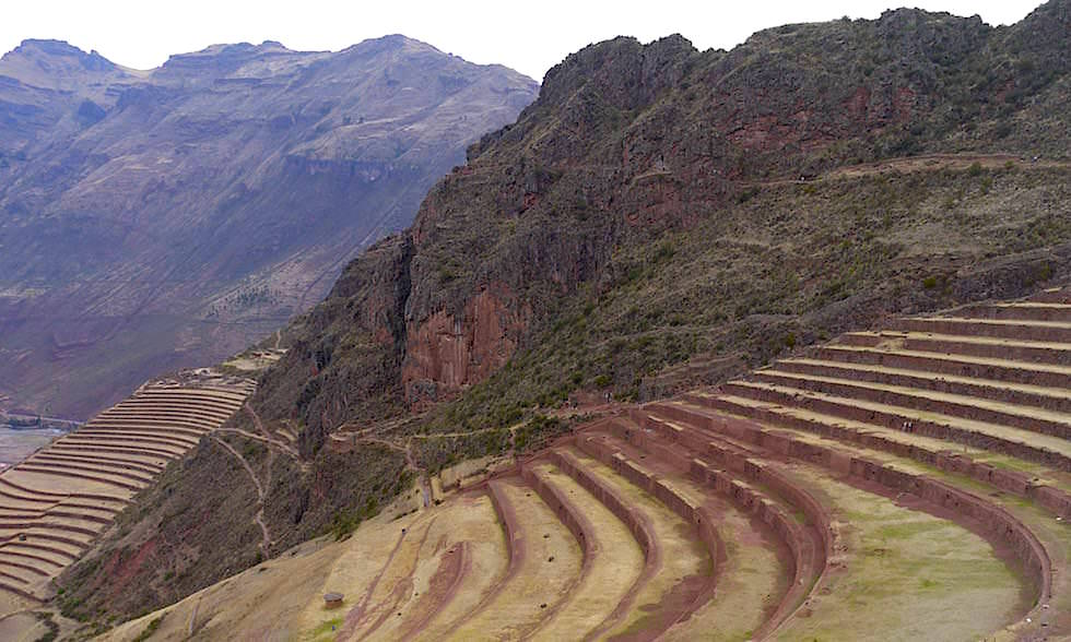 Ausblick auf die faszinierenden Terrassen von Pisaq - Valle Sagrado Highlights - Heiliges Tal bei Cusco - Peru