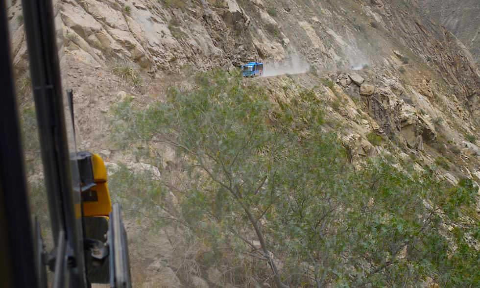 Zwei Busse - Canon del Pato - Entenschlucht - von Caraz nach Chimbote in Peru