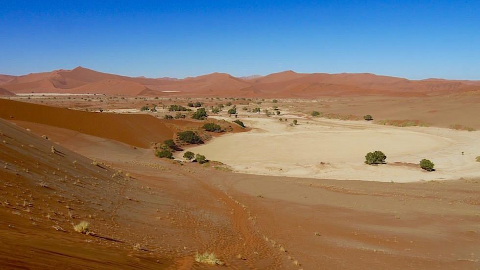 Blick von Big Mama - Sanddünen in der Namib Wüste - Namibia, Afrika