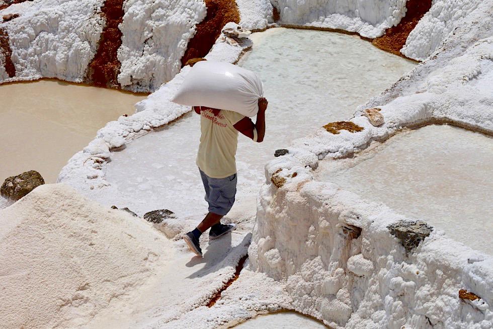 Salinen von Maras - Knochenjob: Harte Arbeit der Salzbauern - Valle de Sagrado - Peru