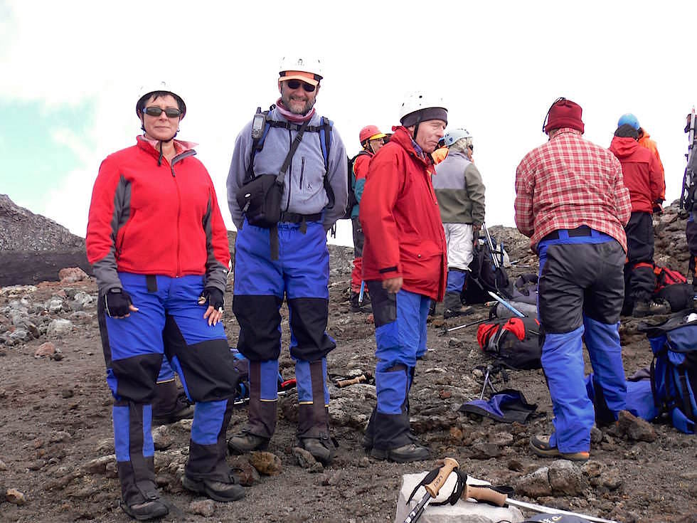 Umziehen am Kraterrand - Vulkan Villarrica - Pucon - Chile