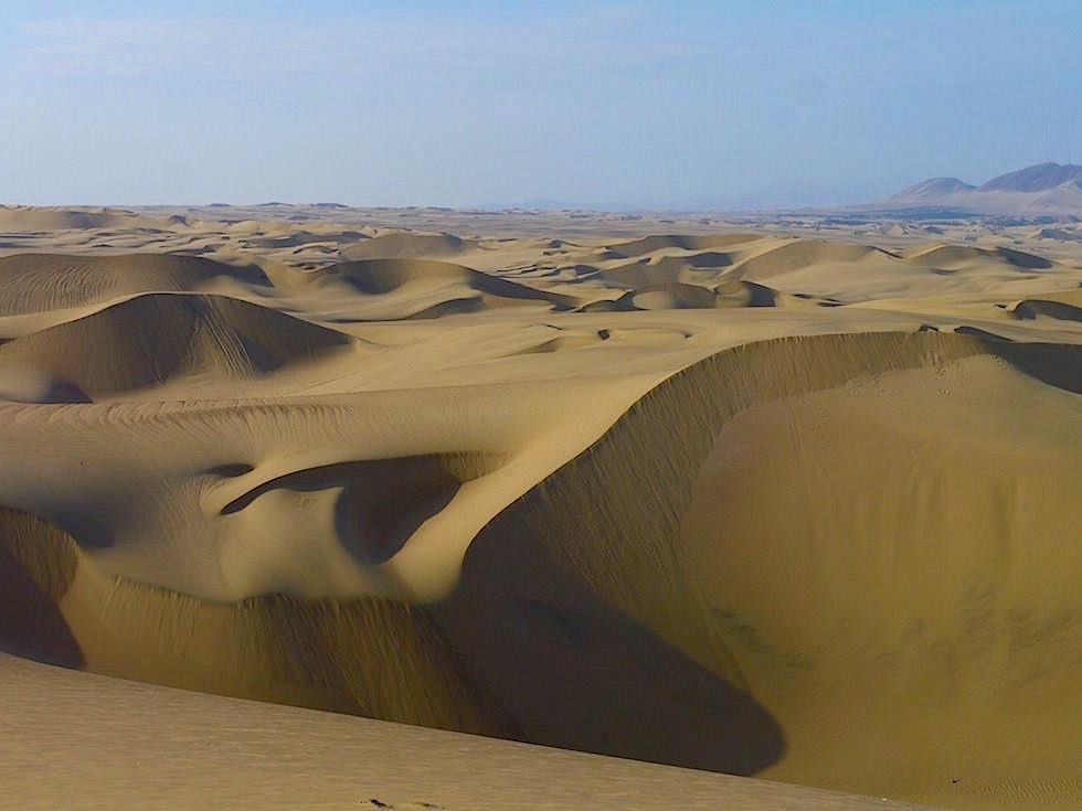 Blick auf Sanddünen Huacachina Ica Peru