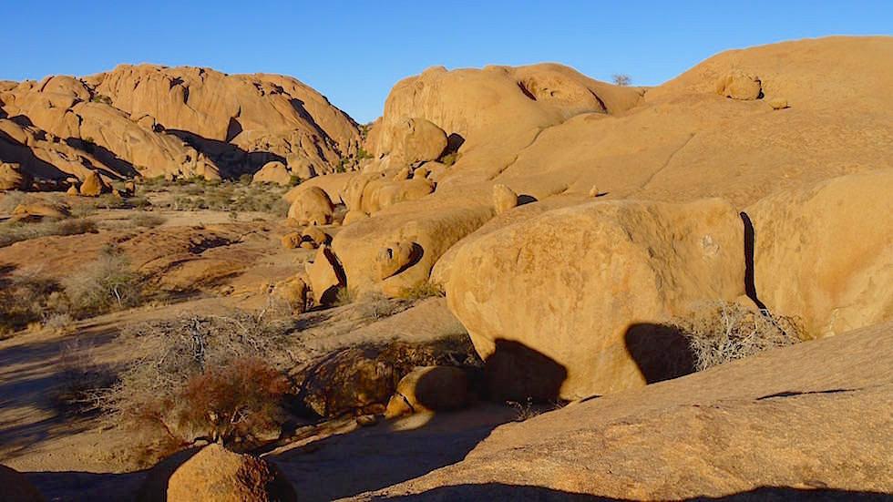 Felsformation und Landschaft - Spitzkoppe Gebirge - Namibias Matterhorn - Afrika