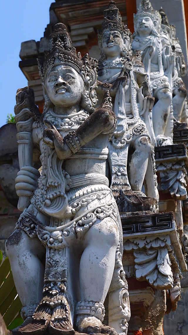Kriegerstatue - Brahmavihara - im Norden von Bali bei Lovina Beach in Indonesien