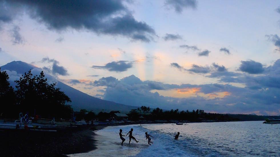 Sonnenuntergang Mt Agung - Amed Bali Indonesien