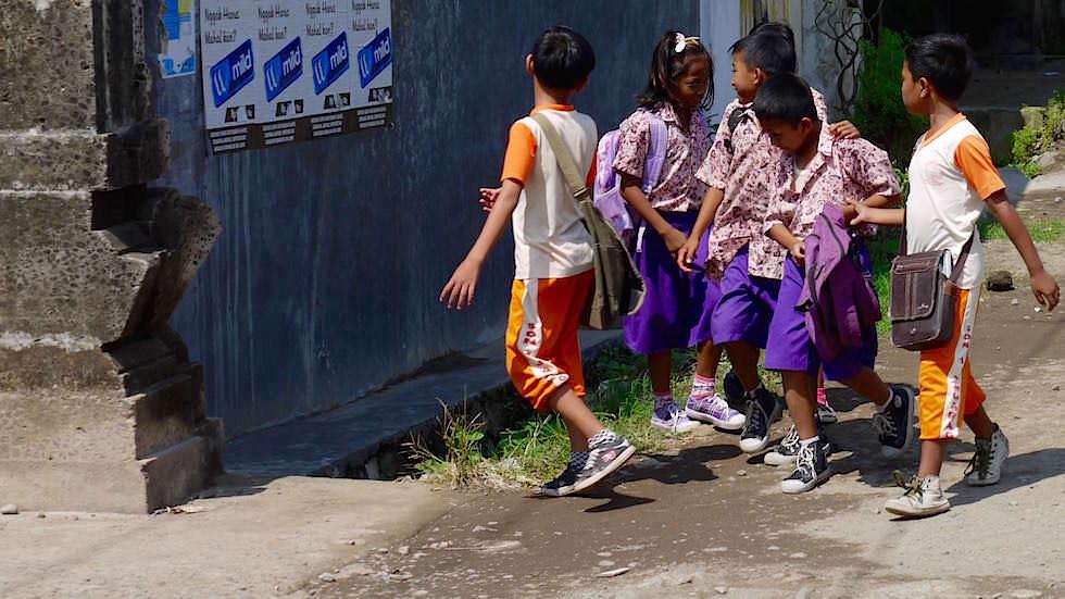 Schulkinder - Von Ubud nach Lovina - Bali, Indonesien