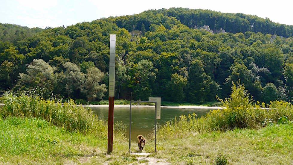 Hochwassermarkierung - Wanderung zum Donaudurchbruch - Weltenburger Enge bei Kehlheim Bayern
