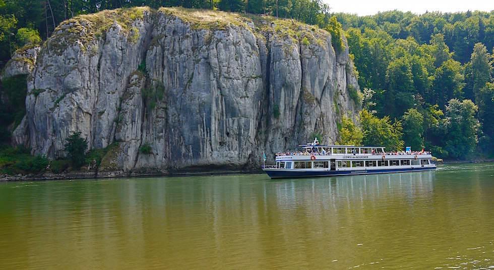 Felsformationen - Wanderung zum Donaudurchbruch - Weltenburger Enge bei Kehlheim Bayern