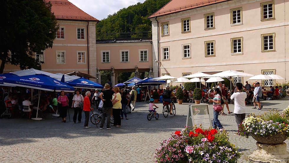Biergarten Kloster Weltenburg - Wanderung zum Donaudurchbruch - Weltenburger Enge bei Kehlheim Bayern