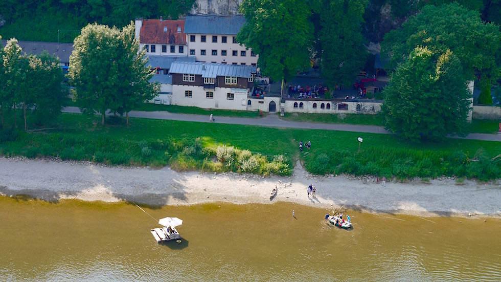 Blick auf Einsiedlerei Klösterl - Wanderung zum Donaudurchbruch - Weltenburger Enge bei Kehlheim Bayern