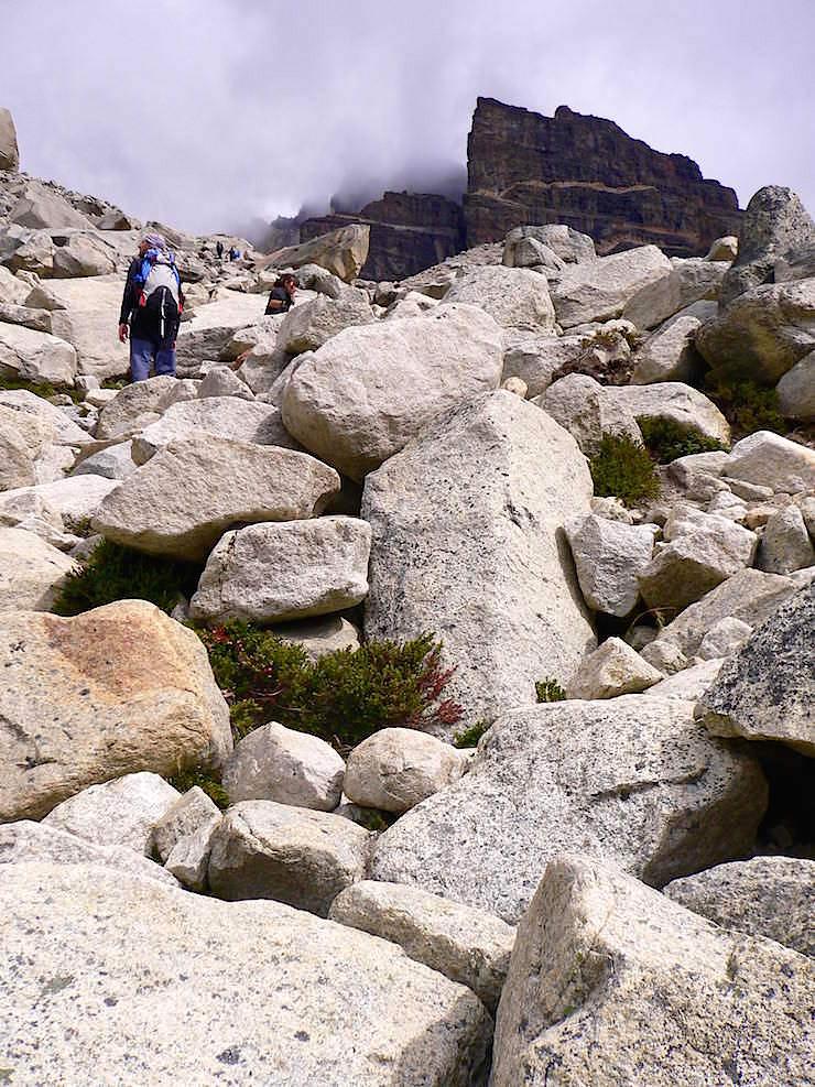 Geröllfeld zum Mirador las Torres - Torres del Paine Nationalpark - Patagonien, Süd-Chile