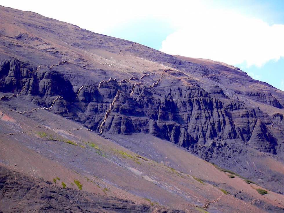Bergrücken beim Torres del Paine - Torres del Paine Nationalpark - Patagonien, Süd-Chile