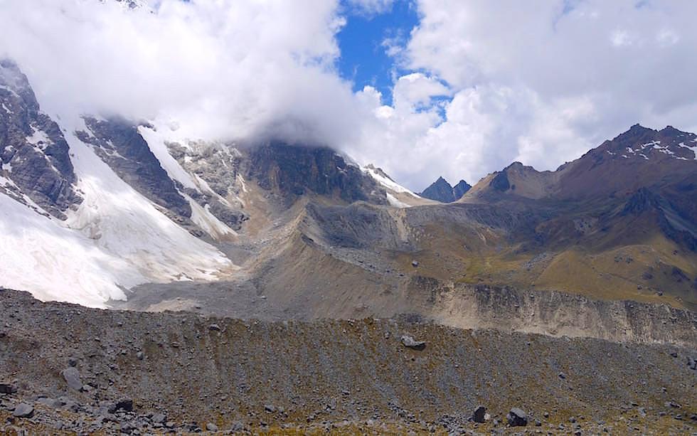 Bergwelt auf der Passhöhe des Abra Salkantay Trek Peru