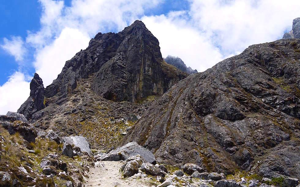 Blick zurück zum Alba Salkantay Trek Peru zum Machu Picchu