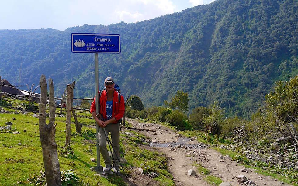 Abstieg vom Pass Salkantay Trek Peru