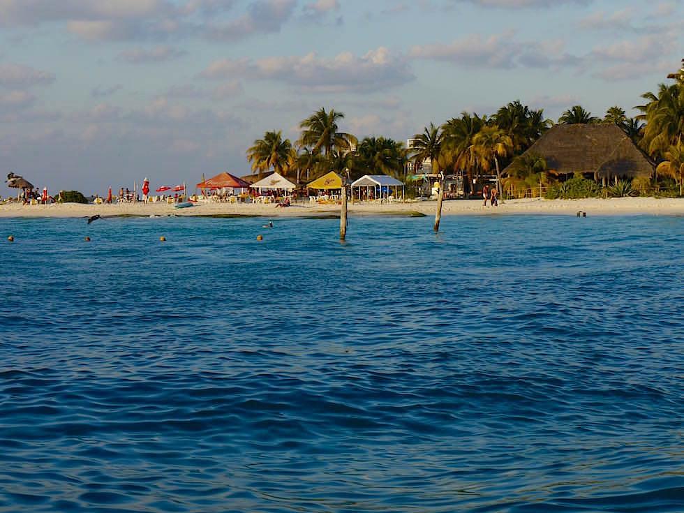 Blick auf Isla Mujeres bei der Überfahrt - Yucatan - Mexiko