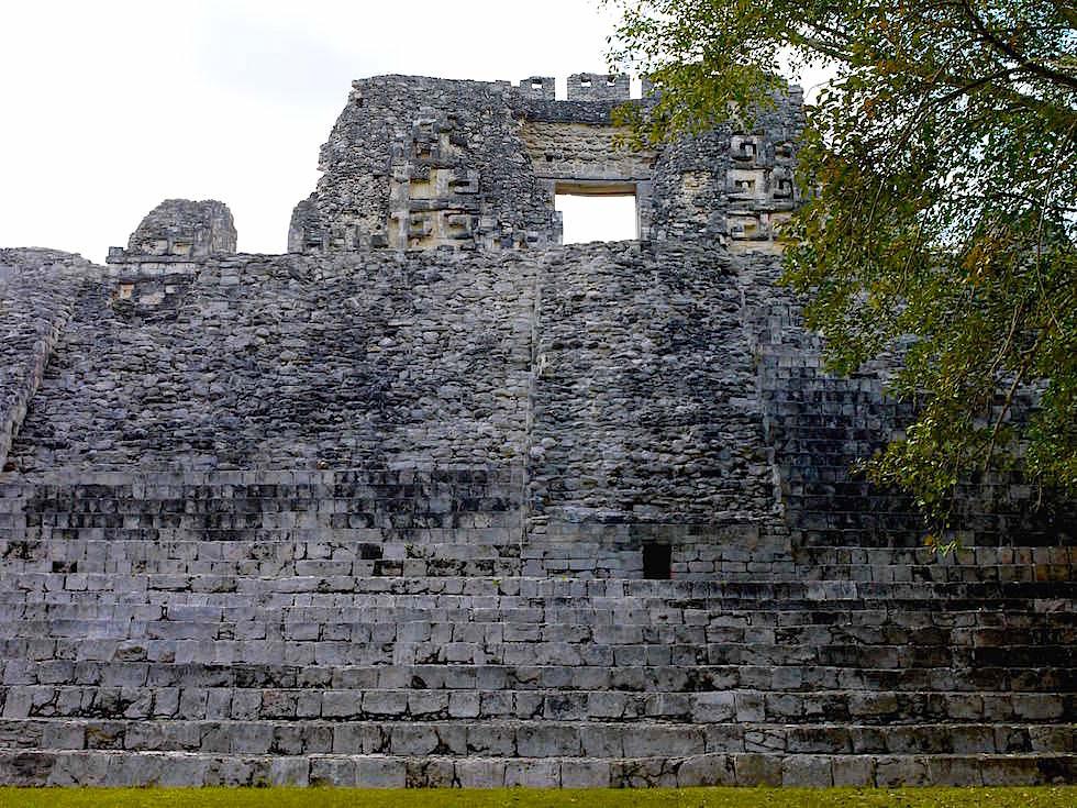 Gebäude X - Maya Stätte von Becan, Campeche, Yucatán - Mexiko