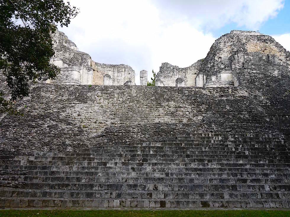 Gebäude VIII - Maya Stätte von Becan, Campeche, Yucatán - Mexiko