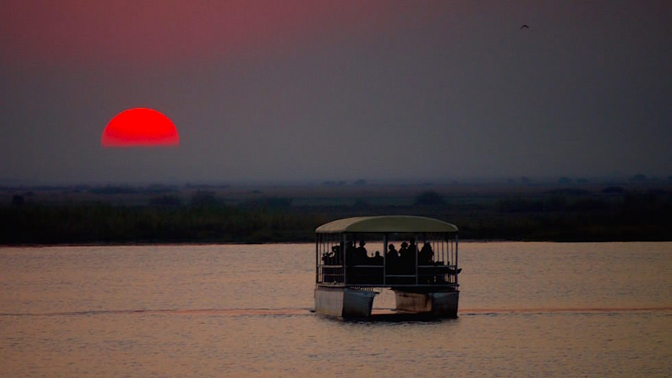 Sonnenuntergang - Chobe River Cruise - Chobe National Park in Botswana