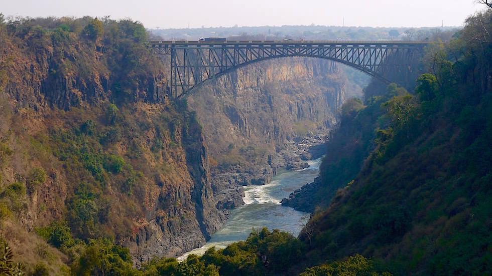 Verbindung Brücke Victoria Falls von Zambia nach Zimbabwe, Afrika