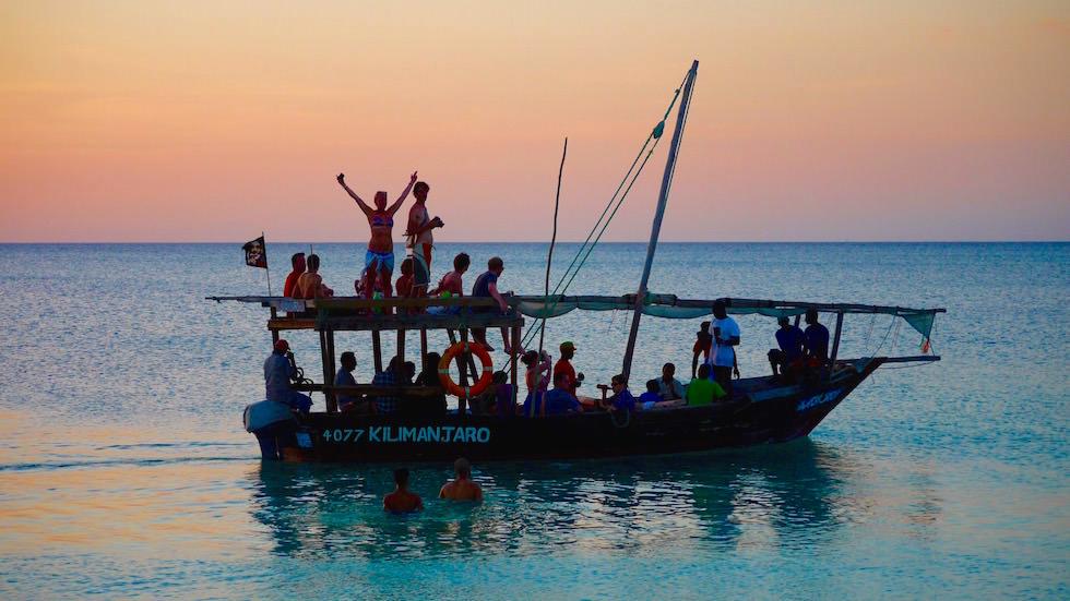 Sunset Cruise am Kendwa Beach - schönster Strand von Sansibar - Tansania, Afrika