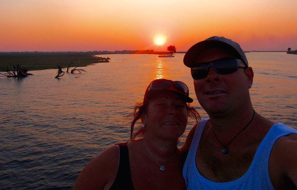 Wir & Abendsonne - Chobe River Cruise - Chobe National Park in Botswana