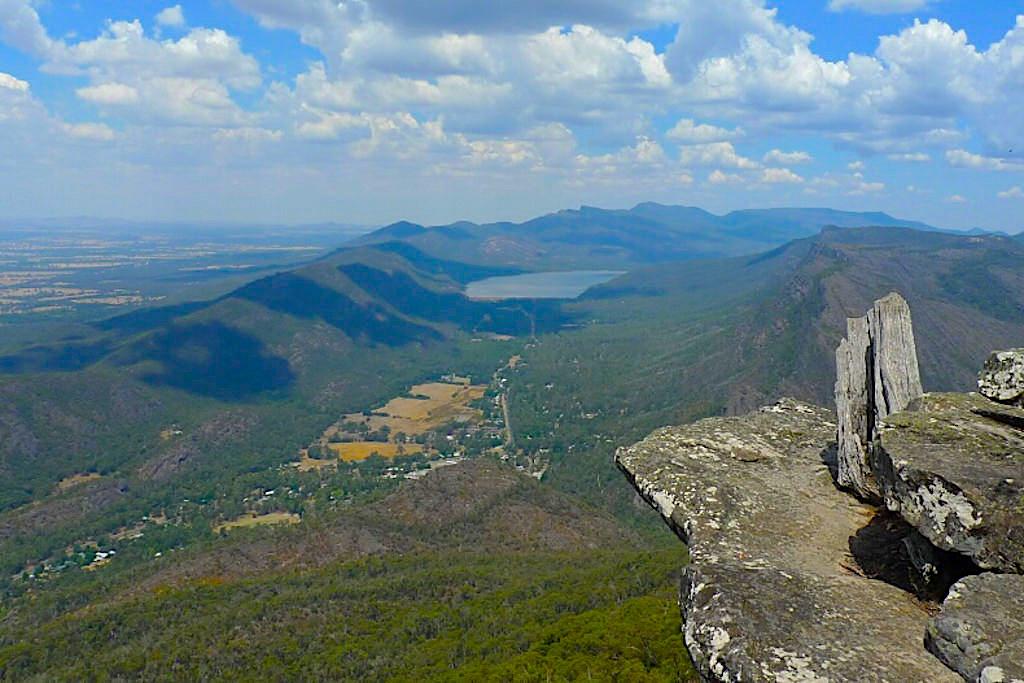 Ausblick auf Halls Gap vom Baroka Lookout - Grampians National Park - Victoria - Australia
