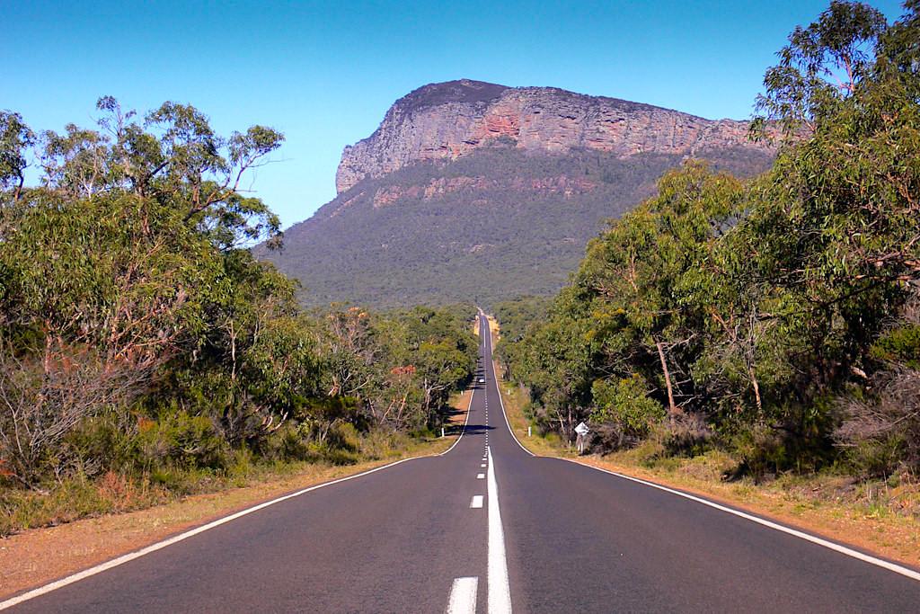 Grampians Road führt mitten durch den Grampians Nationalpark & direkt zu den meisten Highlights - Victoria