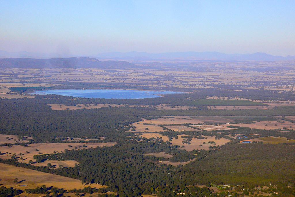 Grampians Umland - dünn besiedeltes Gebiet dominiert von Farmland - Victoria