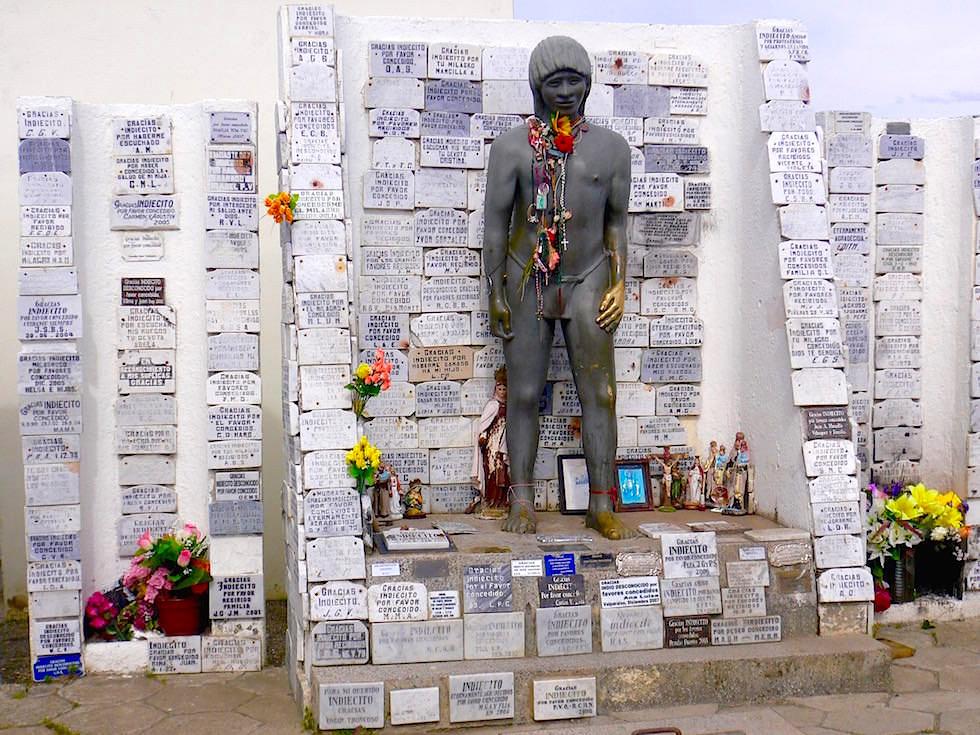 Mahnmal Unbekannter Indianerjunge Punta Arenas Friedhof - Chile Patagonien