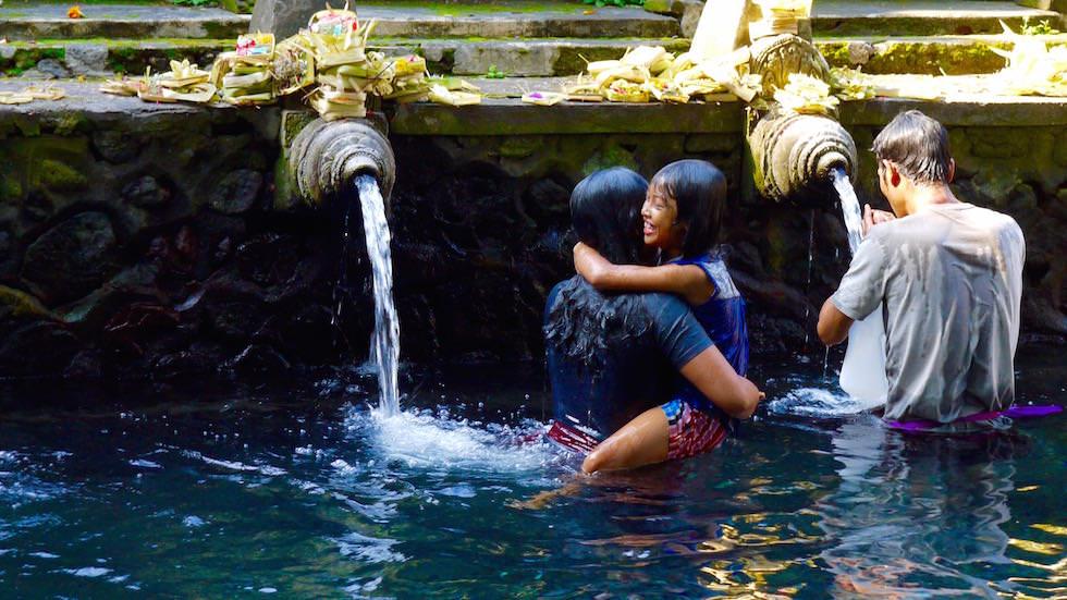 Foto-Essay: Tirta Empul Waschungen - Bali