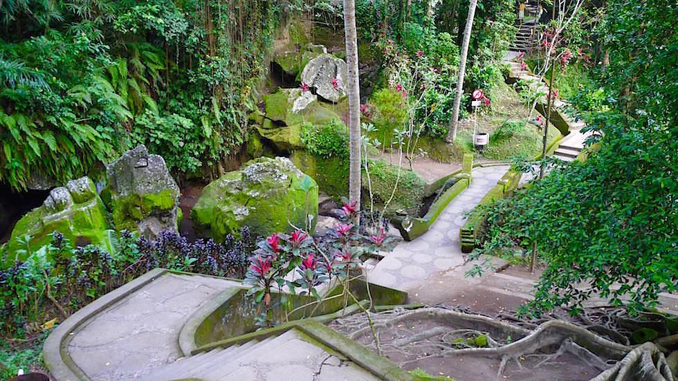 Elefantenhöhle - Auf dem Weg zum Buddhistischer Tempel - Bali