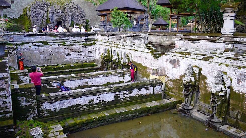 Goa Gajah - Elefanten Tempel - Wasserbecken mit heiligem Wasser - Ubud, Bali