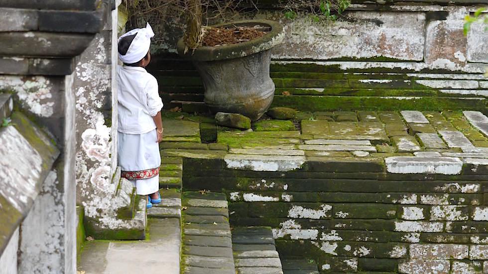 Bali Foto-Essay: Junge im Elephant Cave - Bali