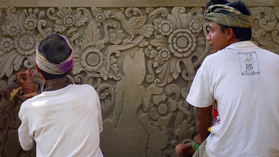 Foto-Essay: Renovierungsarbeiten Mengwi Tempel - Bali