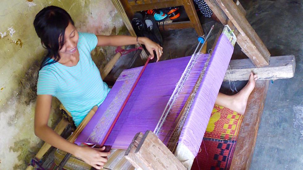 Bali Foto-Essay: Weben eines Schals in Handarbeit - Bali