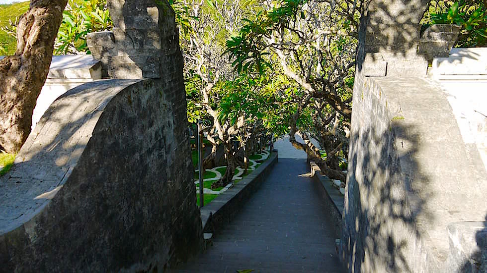 Treppe Pura Luhur Uluwatu - Bali, Indonesien