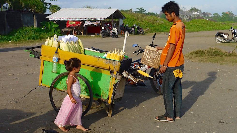 Foto-Essay: Kleine Prinzessin am Strand - Bali, Indonesien